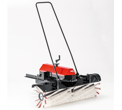 AL-KO Solo powered sweeper for the FC 13-90. 5 HD front deck ride on lawn mkower by AL-KO Solo. The 1 metre brush can power through dirt and debris to